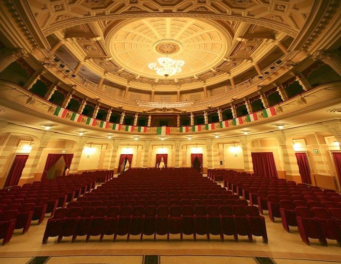 Platea teatro Vercelli (1)