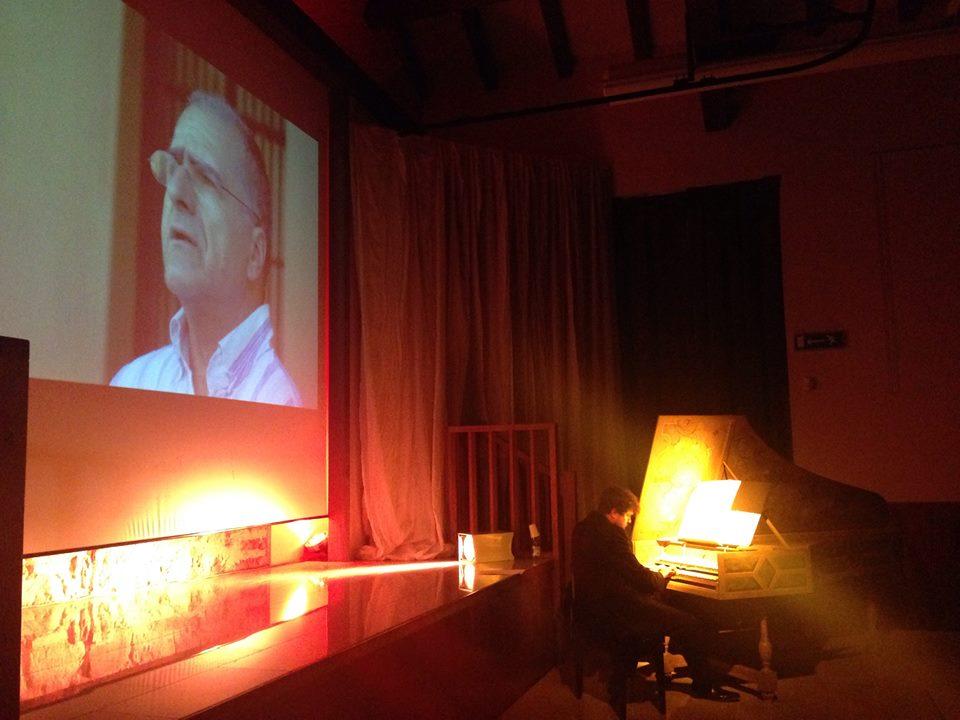 Stefano Demicheli al clavicembalo, proiezione immagine di Enrico Pieranunzi