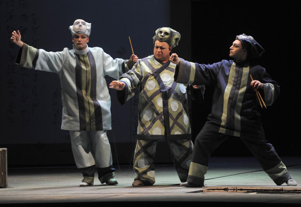 Saverio Pugliese(Pang), Bruno Praticò (Ping), Matteo Falcier (Pong) - foto di Mario Finotti